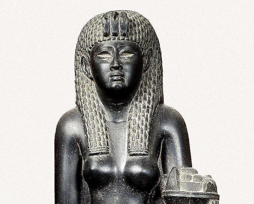 Estatua de Cleopatra en basalto negro