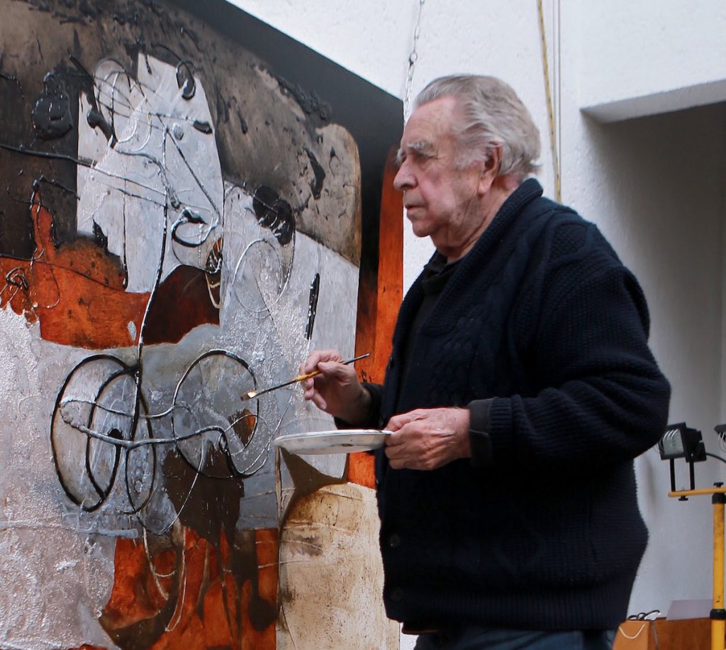 Manuel Felguérez en su taller