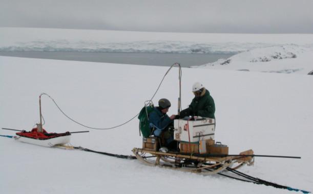 Los científicos trabajará los próximos meses en la Isla Livingston (Antártida) para evaluar la tendencia actual y cómo los cambios del clima influyen en el estado de los glaciares. / UPM