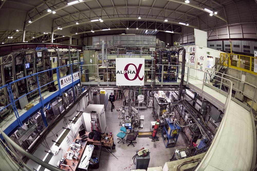 Primera observación del color de la antimateria