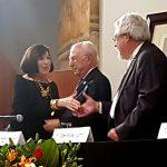 Premia la Academia Mexicana de la Lengua a Luce López-Baralt