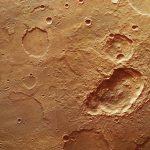 Trío de cráteres en Marte