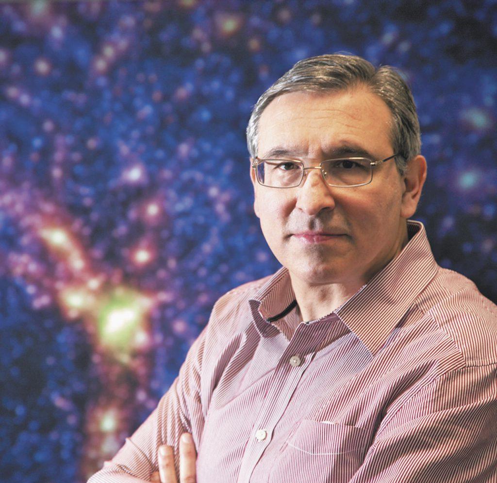 Carlos Frenk Mora, astrofísico mexicano reconocido mundialmente, ingresa a la AMC