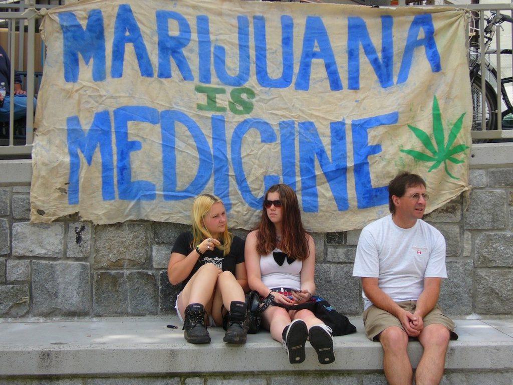 La mariguana presentada en forma medicinal, un gran negocio en EEUU