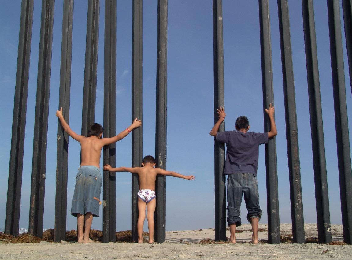 Niños, adolescentes y jóvenes migrantes