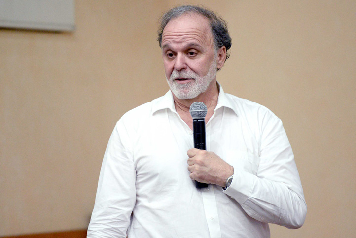 Alejandro Frank Hoeflich