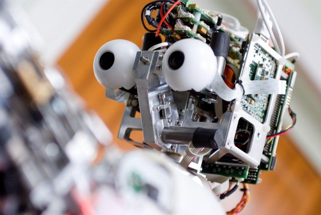 Desarrollan un sensor que detecta ciberataques a robots móviles