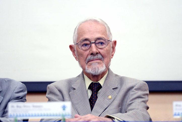 La sociedad civil debe actuar para que la ciencia crezca en México: Ruy Pérez Tamayo