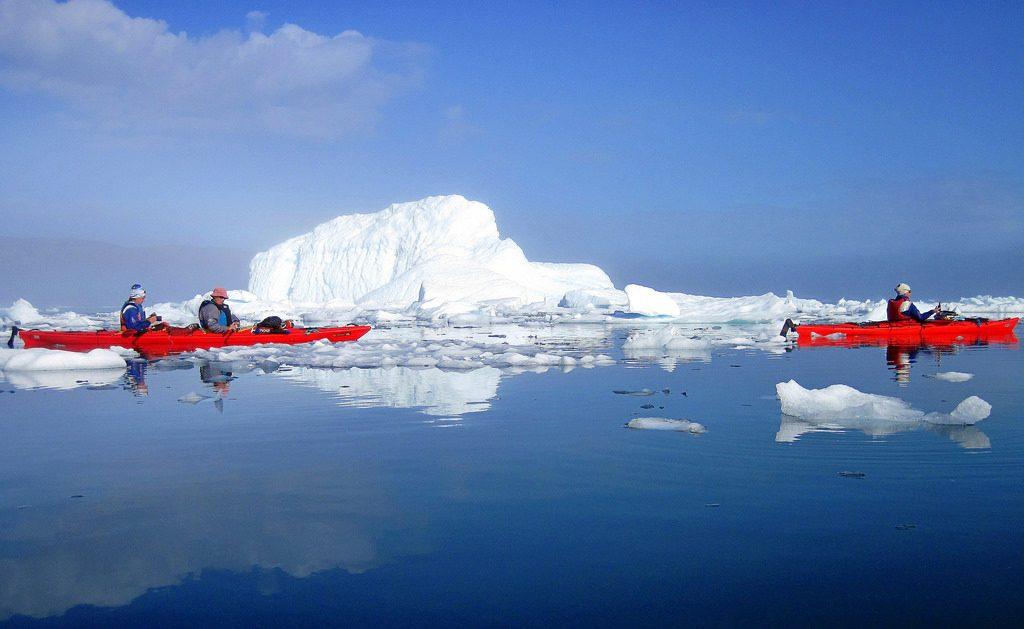 El manto de hielo de Groenlandia amenaza con su desaparición / twiga269 FEMEN.