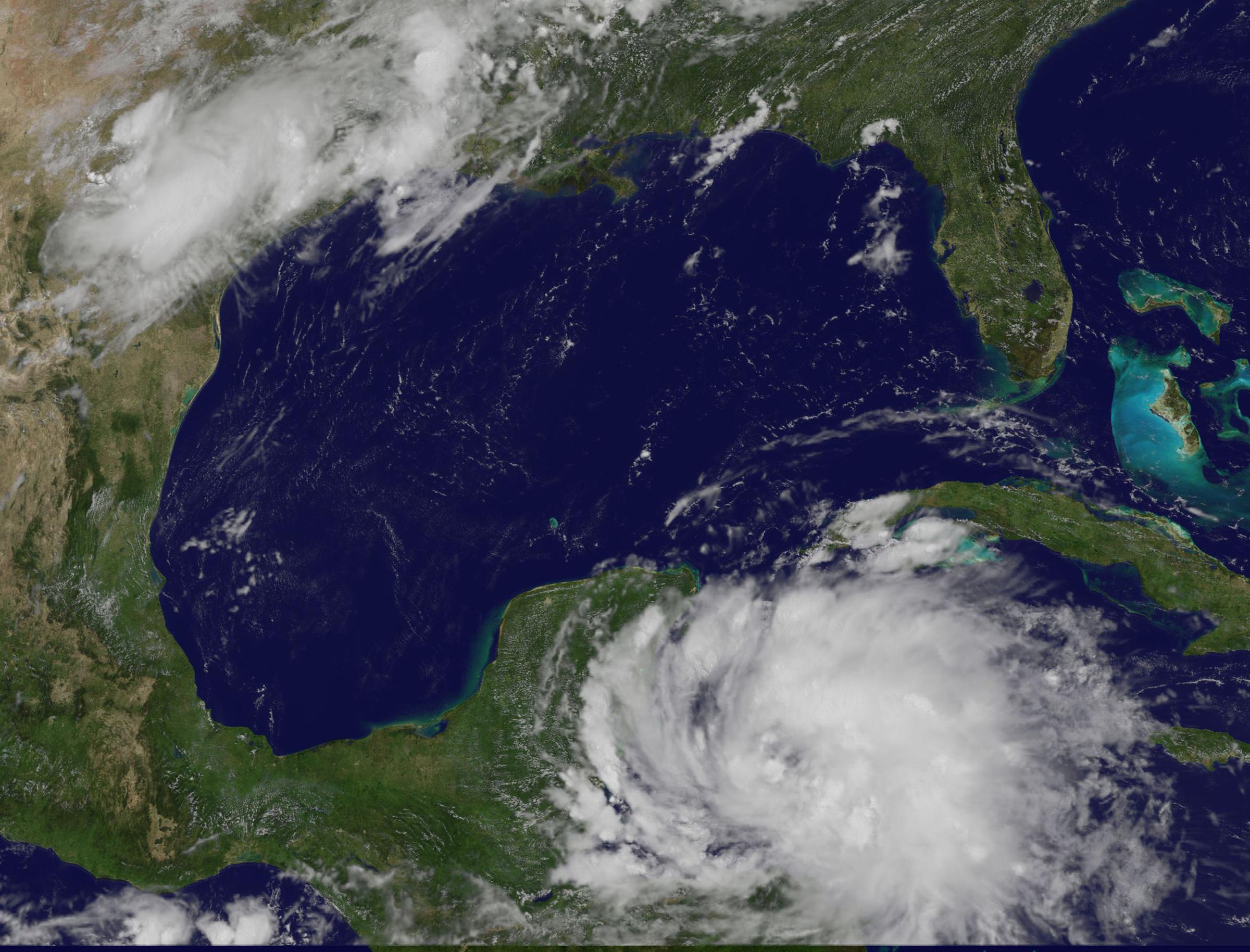 Avance de Franklin sobre la Península de Yucatán- NASA