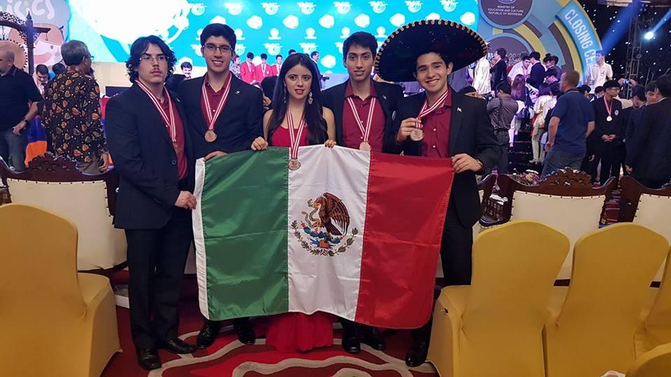México gana 5 medallas de bronce en la olimpiada internacional de física.