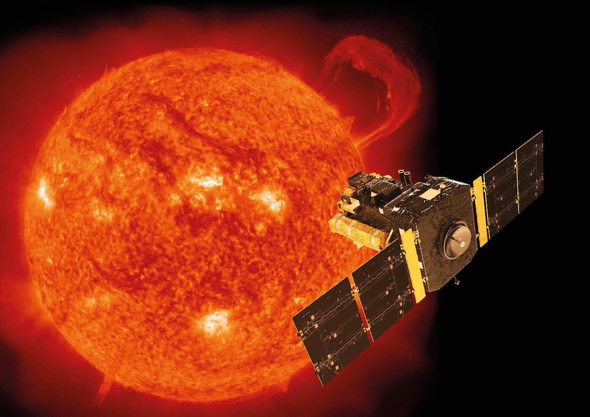 El observatorio SOHO de la NASA vigila al Sol- Spacecraft: ESA/ATG medialab; Sun: SOHO (ESA & NASA)