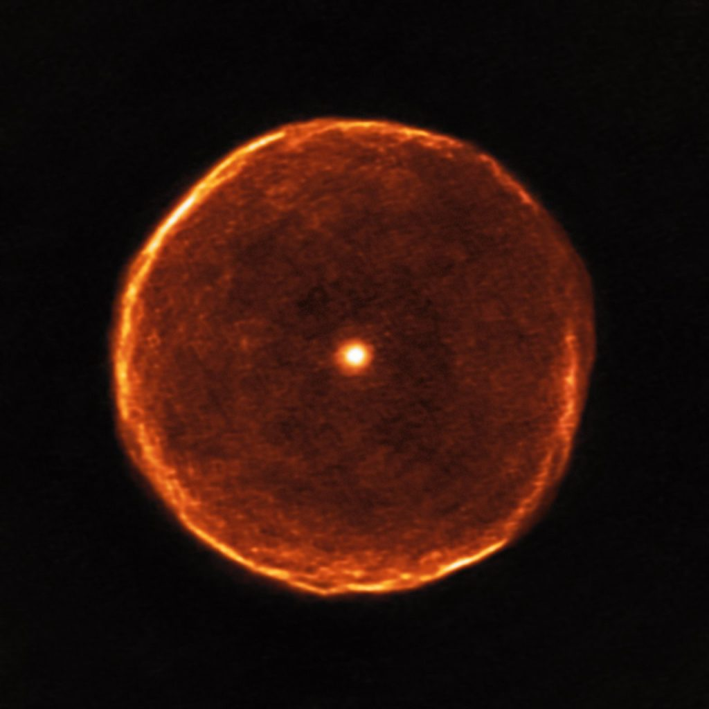 U Antiliae y su burbuja humeante- ALMA (ESO/NAOJ/NRAO), F. Kerschbaum