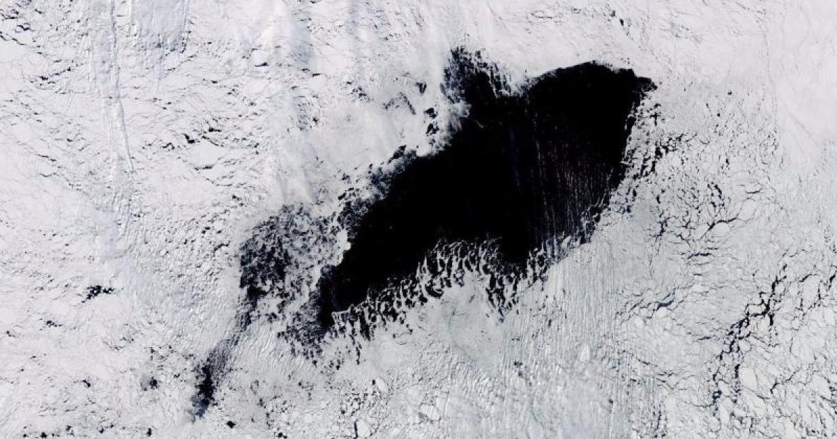 Enmedio de la Antártida aparece un gigantesco hoyo en el hielo, del tamaño de Panama