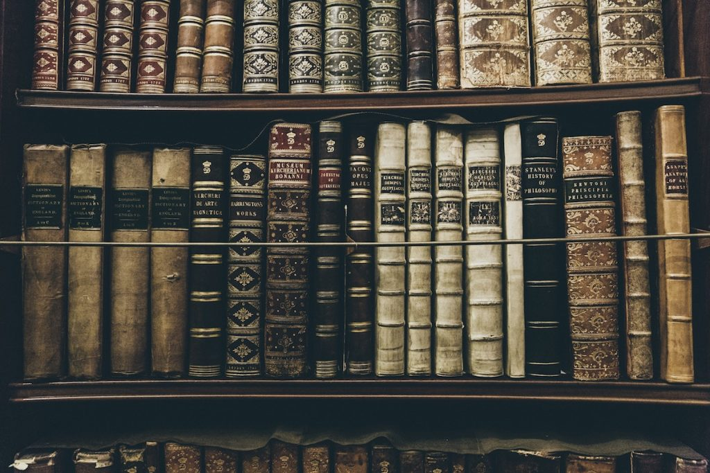 Biblioteca de historia- Thomas Kelley, Unsplash