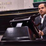 Becas para estudiantes de todos los niveles, propone diputado Ernesto Cuevas