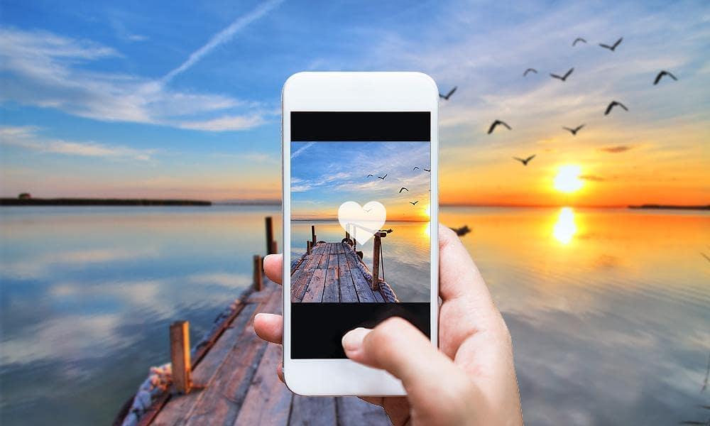 Teléfono fotografiando un día soleado- UC3M