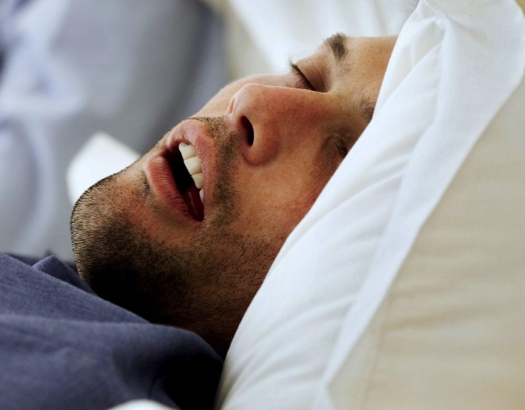 Tratar la apnea del sueño para mejorar la disfunción eréctil