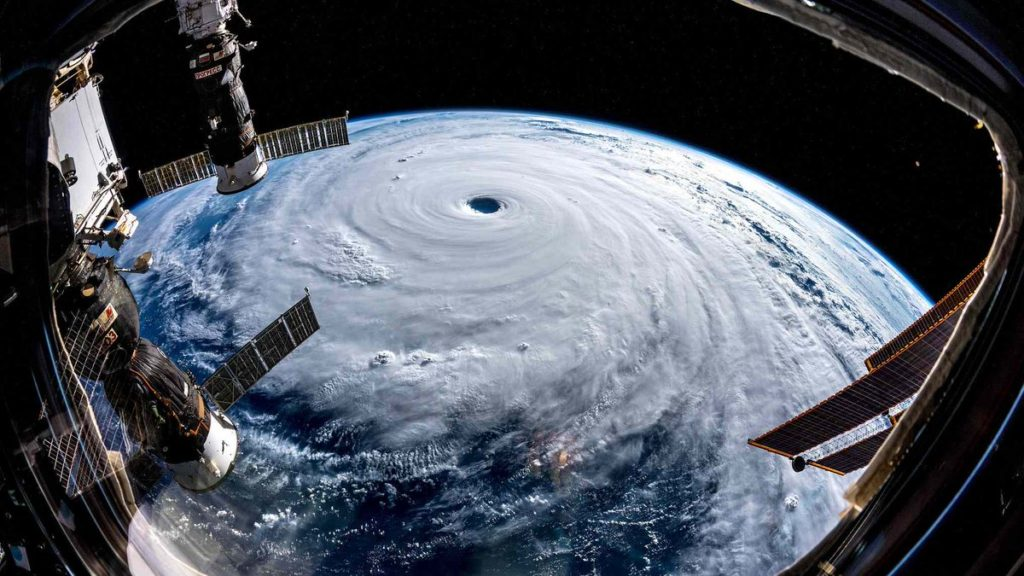 Super tifón Trami- astronauta Alexander Gerst