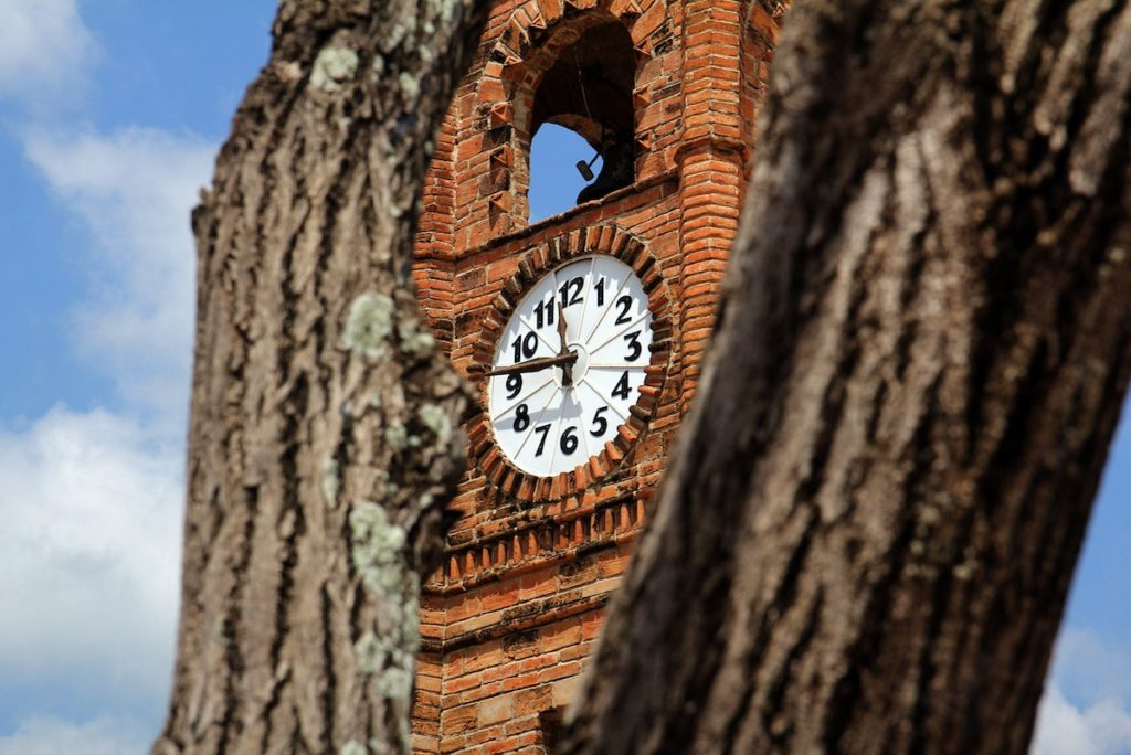 El reloj de cuatro caras de la plaza de armas de Chiapa de Corzo, Chiapas, México- René de Jesús