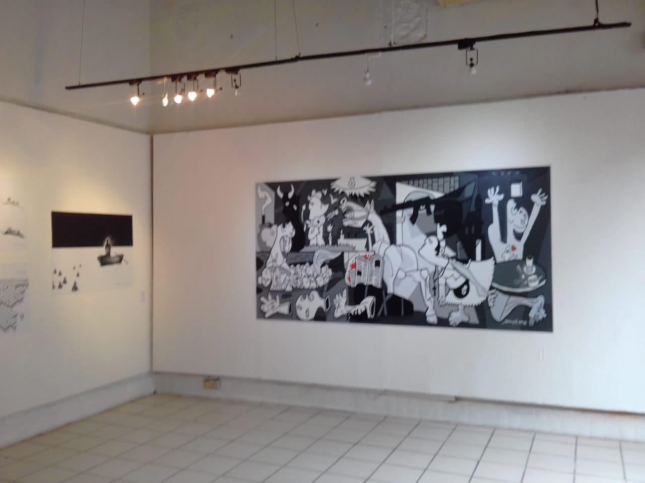 """Brunóf (Bruno Ferreira) en la Galería Casa Principal, de Veracruz ciudad, muy """"ALV"""" (A la Veracruzana)"""