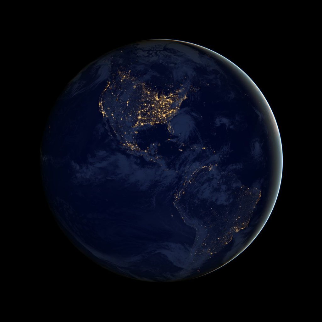 Vista nocturna de América- NASA Earth Observatory, imagen de Robert Simmon