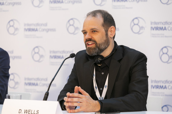 Dagan Wells durante la rueda de prensa del congreso. / IVI