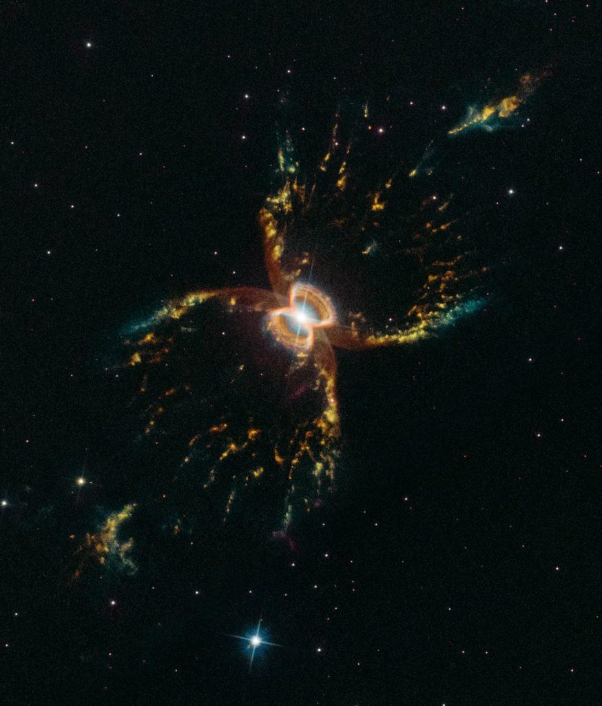 Nebulosa Hen 2-104, del Cangrejo del Sur- Hubble, NASA, ESA y STScI