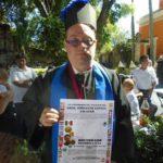 Carlos Enrique de Saro Puebla, tiene Síndrome de Down, es escritor y recibió un Doctorado Honoris Causa