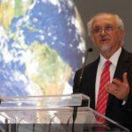 Mario Molina critica que la política energética de México sea igual a la de Trump