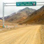 Entrada al proyecto Túnel Agua Negra para cazar materia obscura, en Los andes, entre Argentina y Chile